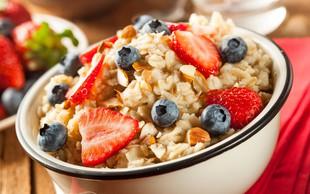 Kaj morate vključiti v zajtrk, če želite potešiti lakoto za dlje časa?