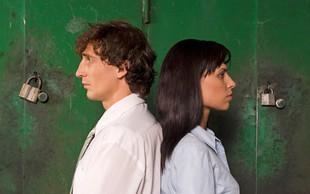 7 življenjskih prelomnic, ki lahko pripeljejo do ločitve parov