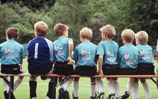 7 koristi, ki jih imajo otroci od ekipnih športov