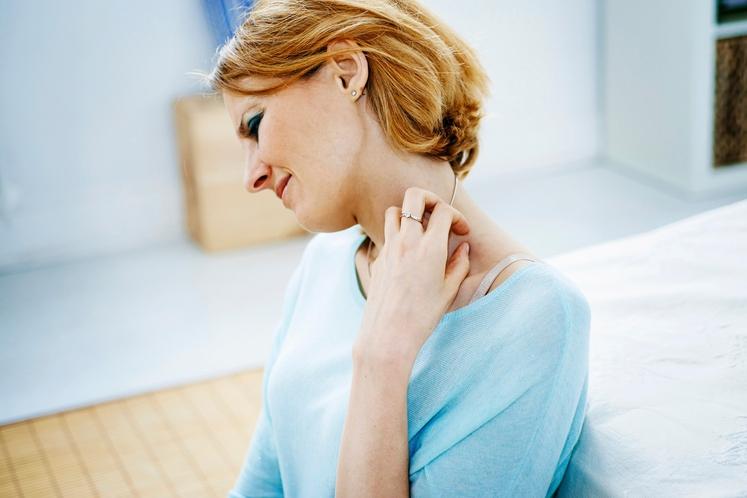 Ker se težave s ščitnico lahko pojavijo v kateremkoli življenjskem obdobju, ne bo škodilo, če jo imate pod nadzorom. Simptomi …