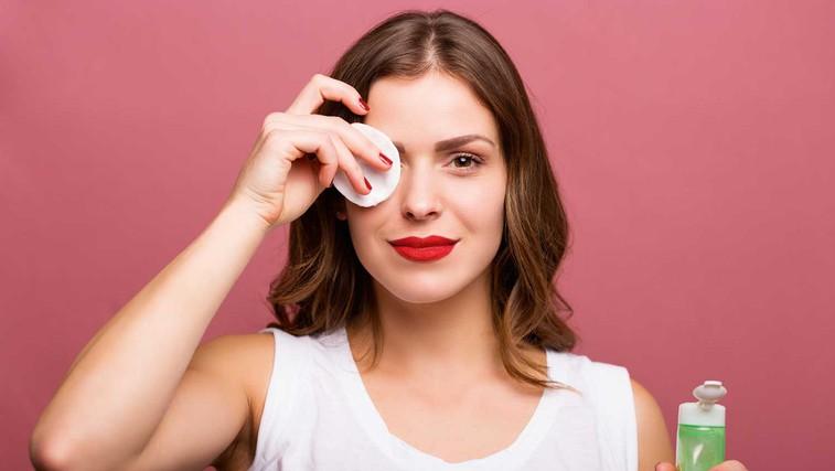 7 prednosti čiščenja kože pred spanjem (foto: Shutterstock)