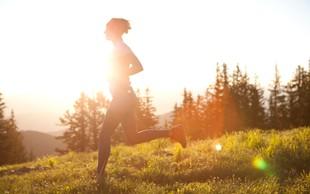 Zakaj bi morali med tekom meditirati (in 9 nasvetov, kako to početi)