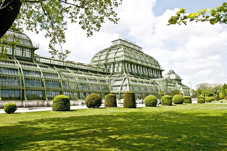 BERLIN-DAHLEM BOTANIČNI VRT IN MUZEJ, NEMČIJA Botanični vrt je med letoma 1897 in 1910 skonstruiral arhitekt in botanik Adolf Engler, …