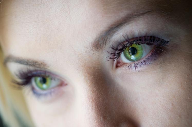 ZELENE OČI Večina ljudi vas verjetno vidi kot privlačne, seksi in skrivnostne. V sklopu raziskave, ki jo je oprazil Impulse …