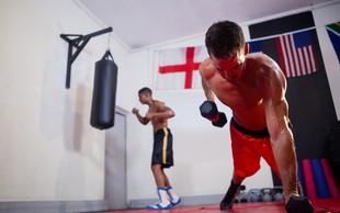 8 misli, ki vas spreletijo v telovadnici ob zelo glasnem telovadcu