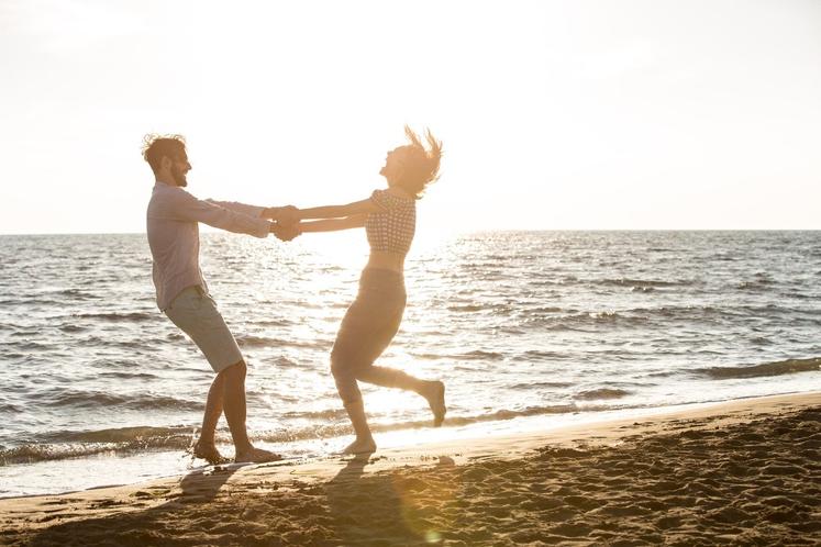 Odnosi so smisel človeštva Življenje naredijo dragoceno ljudje, ki vas ljubijo in ljudje, ki zasedajo posebno mesto v vašem srcu. …