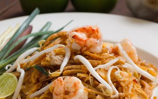 Pad thai s kozicami