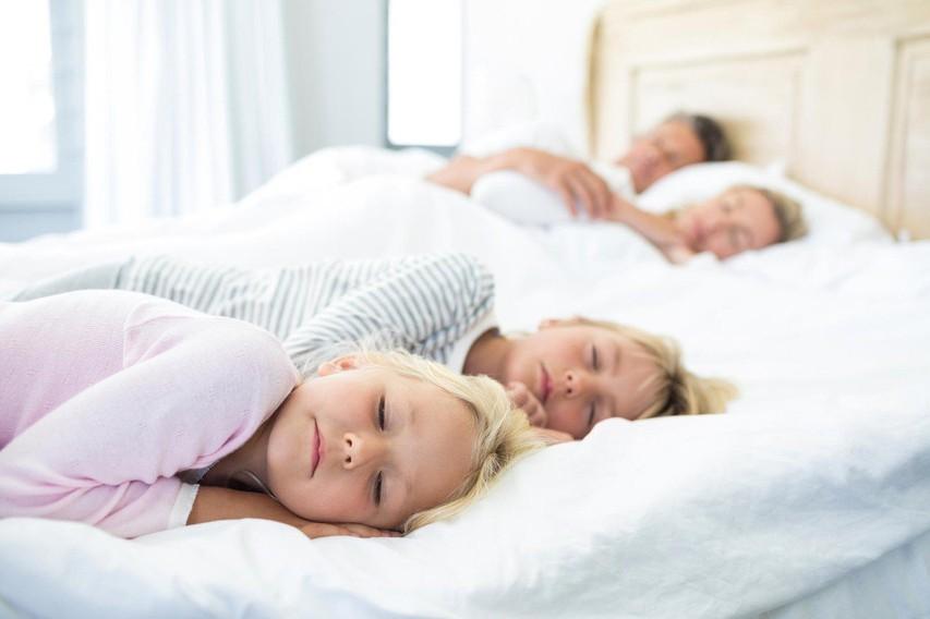 Toliko ur na dan bi morali spati glede na vašo starost