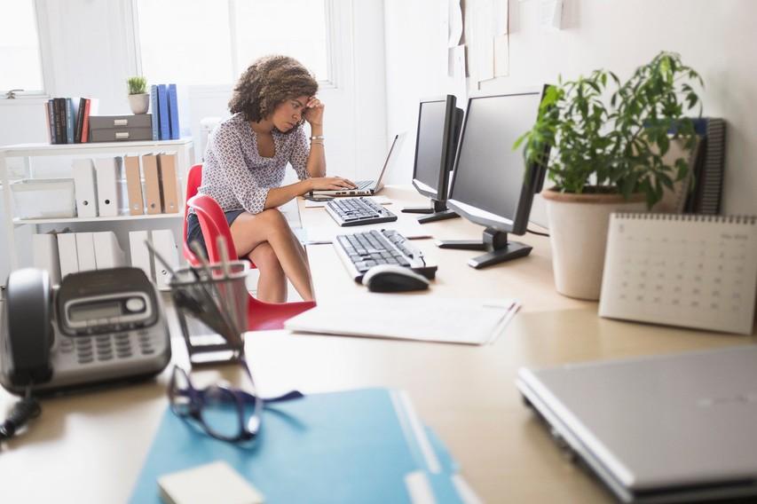 5 znakov, da služba skrivaj škodi vašemu zdravju