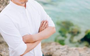 Kaj pomenijo prekrižane roke?