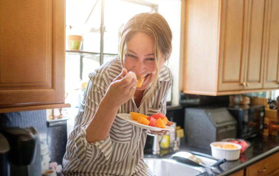 Bi morali sadje vedno jesti na prazen želodec? (foto: Profimedia)