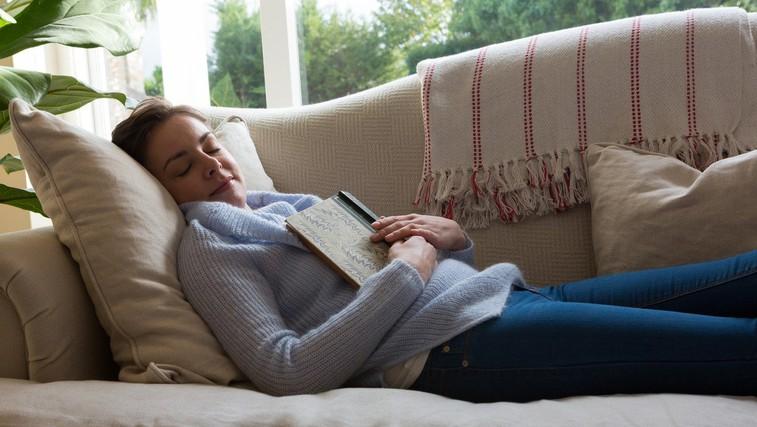 Zaspite takoj ali potrebujete čas? Preverite, kaj to pomeni! (foto: Profimedia)