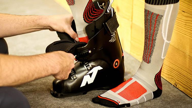 Merjenje in pravilna izbira velikosti smučarskih čevljev (foto: Koala)