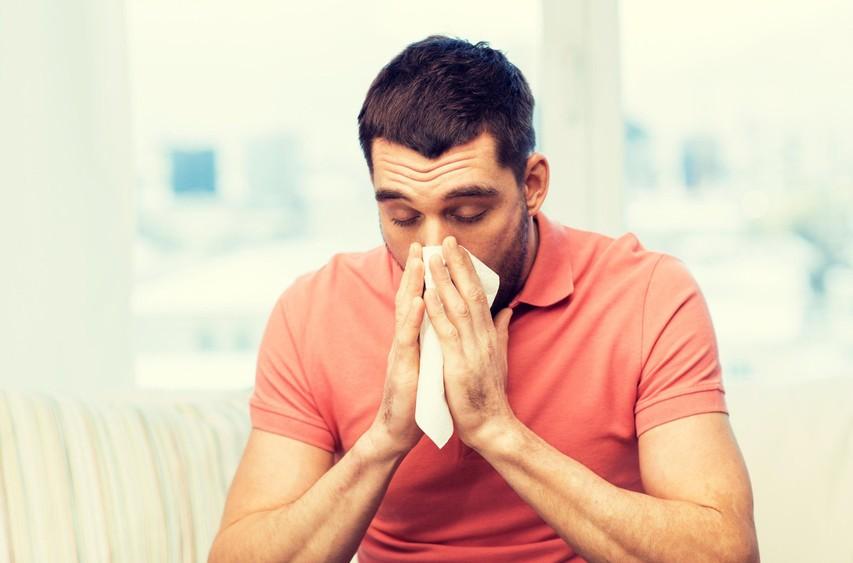 Kaj morate najprej storiti, ko začutite, da se vas loteva prehlad?