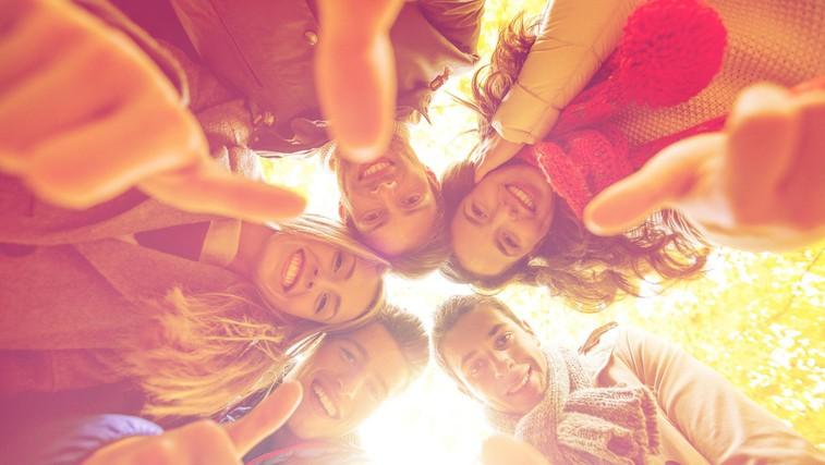 Kaj naredi življenje lepše in kaj nas v resnici osreči? Lekcije iz najdaljše raziskave o sreči (foto: Profimedia)