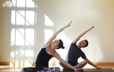 4 jogijske vaje, ki vam pomagajo zaspati