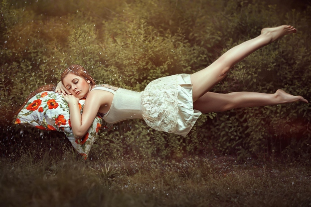 Reakcija na sanje V fazi sanj je naše telo paralizirano. Toda včasih se zgodi, da ta nastopi preden je telo …
