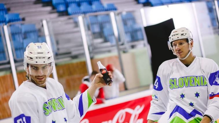 VIDEO: Hokejisti se strinjajo: podpora je nevidna moč uspeha (foto: Marin Mešter)