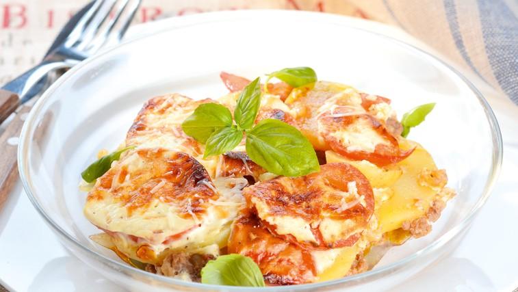 Mleto meso s  krompirjem (foto: Profimedia)