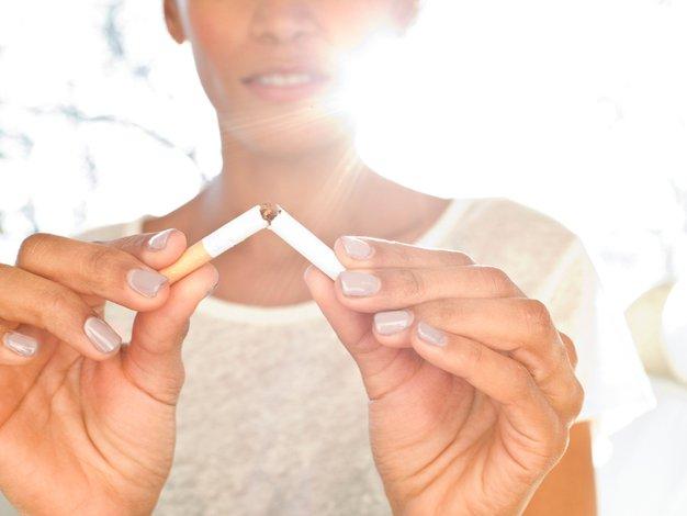 Za opustitev kajenja sta najpomembnejši motivacija in močna volja + TRIKI za prenehanje - Foto: profimedia