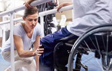 Uspešen trener se je moral pri tridesetih ponovno naučiti hoditi. Tu je 8 pomembnih lekcij, ki se jih je naučil - in jih predaja vsem nam