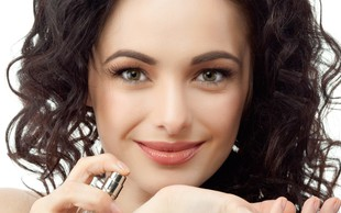 Kako doseči, da se parfum na vaši koži ohrani ves dan?