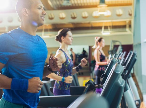 """Fizična aktivnost Gibanje zelo pripomore k dvigu """"dobrega"""" holesterola, zato ga skušajte vključiti v svoj dan bolj pogosto. Obenem boste ..."""