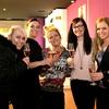 Po dogodku so uspehu nazdravile; Jelena Vadnjal, ki je poskrbela za sladke dobrote, zastopnica Dimensione Danza za Slovenijo Zala Brodnik Rahne, projektantka notranje opreme Špela Avsenek, organizatorka dogodka Nina Urbančič Romih in povezovalka dogodka Špela Močnik