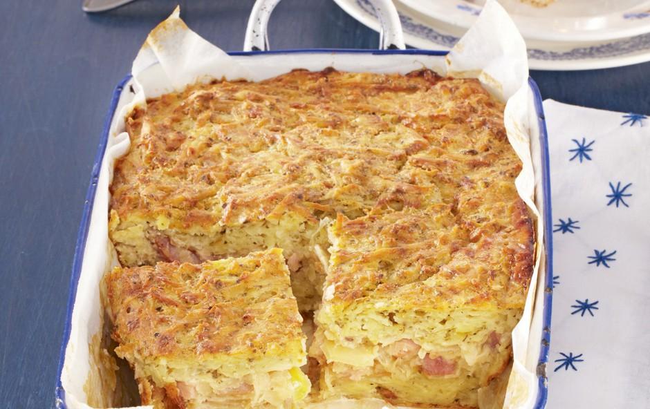 Krompirjeva pita s kislim zeljem (foto: Profimedia)