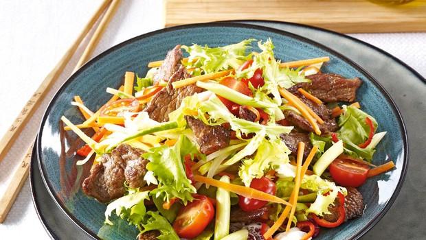 Tajska solata z govedino (foto: Profimedia)