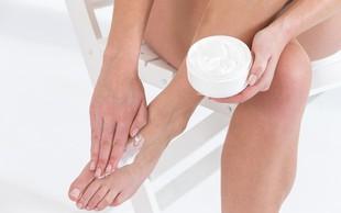 7 razlogov, zakaj je koža na stopalih suha in se lušči