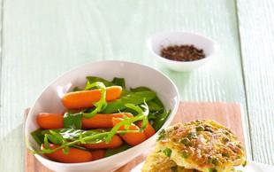 Krompirjeve polpete z grahom in zelenjavo