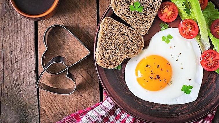 9 razlogov, zakaj bi morali VSAK DAN pojesti 2 jajci (foto: Profimedia)