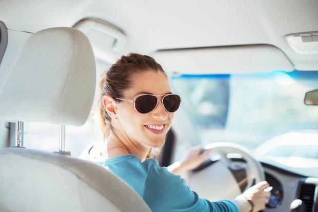 Nosite sončna očala Se vam je že kdaj zgodilo, da vas je na oblačen dan opeklo sonce? Enako se dogaja …
