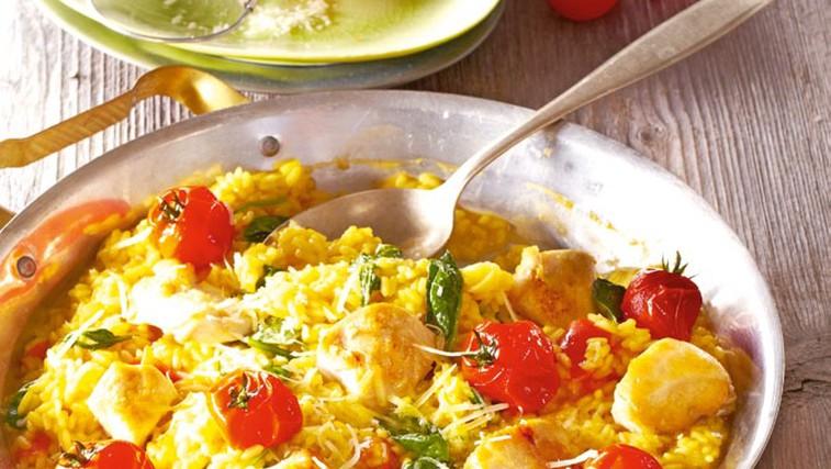 Rižota s paradižniki, špinačo in piščancem (foto: Profimedia)