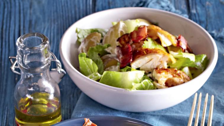 Cezarjeva krompirjeva solata s piščancem (foto: Profimedia)