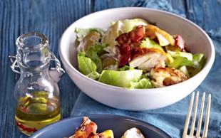 Cezarjeva krompirjeva solata s piščancem