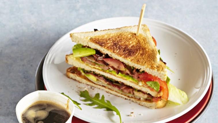 Slavni sendvič sslanino, solato in paradižnikom (foto: Shutterstock)