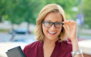 Razbijamo 7 mitov o nošenju očal