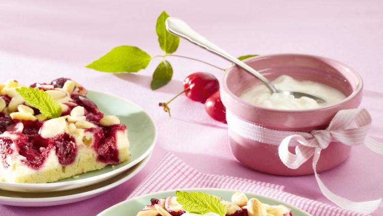 Češnjeva torta z mandlji (foto: Profimedia)