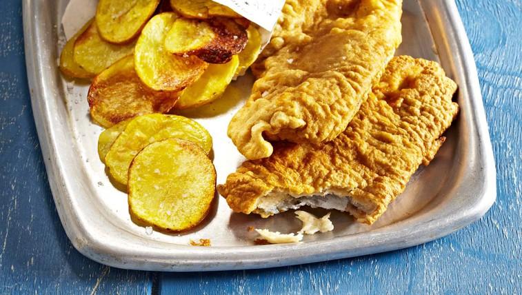 Fish & chips z domačo tatarsko omako (foto: Profimedia)