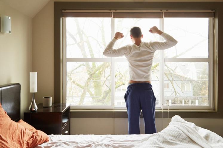 JUTRANJE RAZTEZANJE Če kanček energije potrebujete že zjutraj, takoj ko se prebudite, poskusite z raztezanjem. Najbolje je, da se postavite …