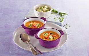 Korenčkova juha z drobnjakovimi cmočki