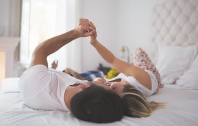 Namesto 'LJUBIM TE' povejte to! 5 ljubezenskih izjav, ki so lahko še močnejše