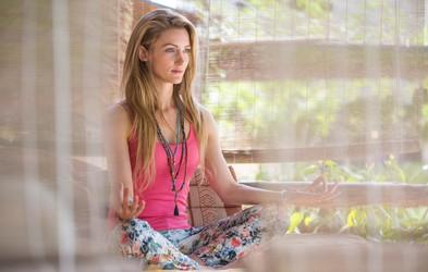 8 preprostih stvari, ki jih lahko naredite doma za zmanjšanje stresa