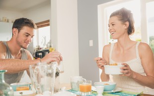 Kako število obrokov vpliva na naše zdravje? Koliko jih moramo sploh pojesti na dan?