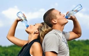 Za potešitev žeje sta najprimernejša voda in nesladkan čaj!