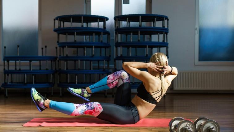 Zakaj bi morali vadbo začeti z vajami za trebušne mišice? (foto: profimedia)