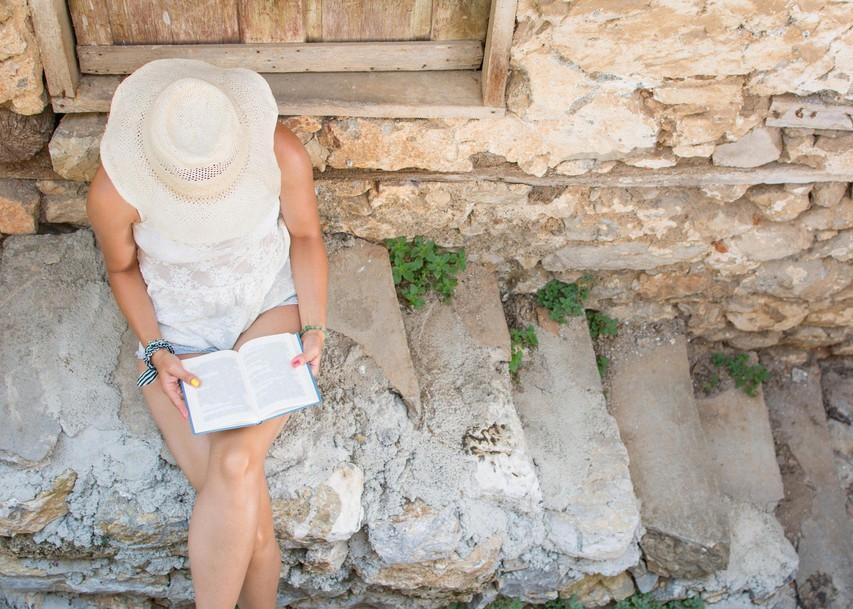8 razlogov, zakaj bi morali brati vsak dan