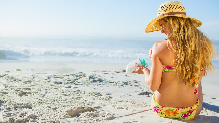 Po novi raziskavi sodeč kreme za sončenje verjetno ne uporabljate pravilno (foto: Profimedia)